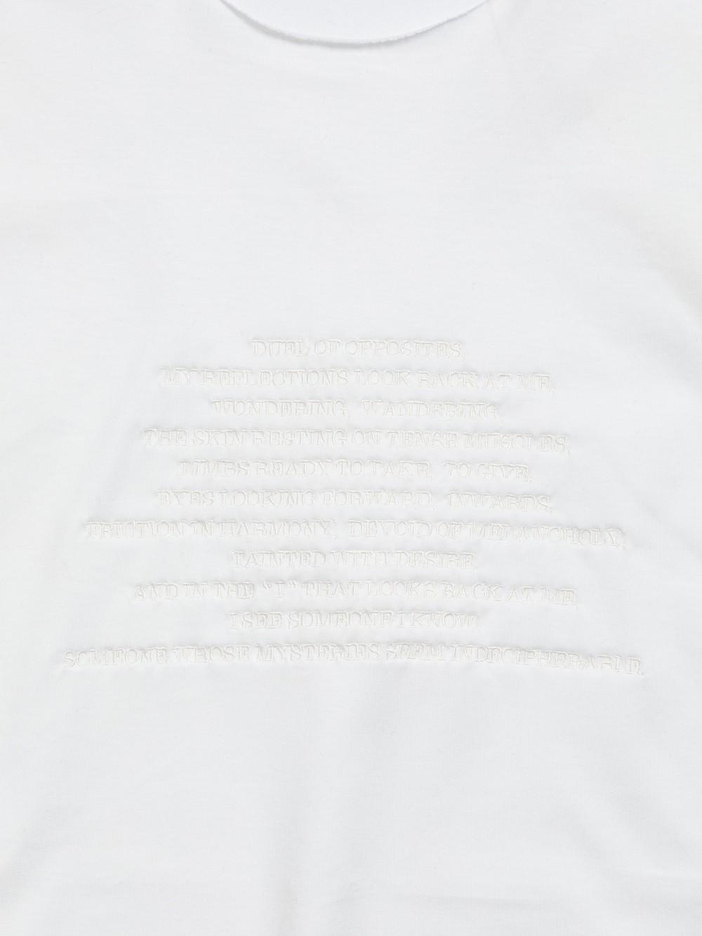 CHEST-EMBROIDERY SLASH SLEEVE TEE