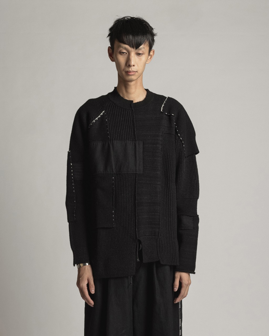 21AW DUE-Ⅲ-034-KNT-BLK  Patched Sweater