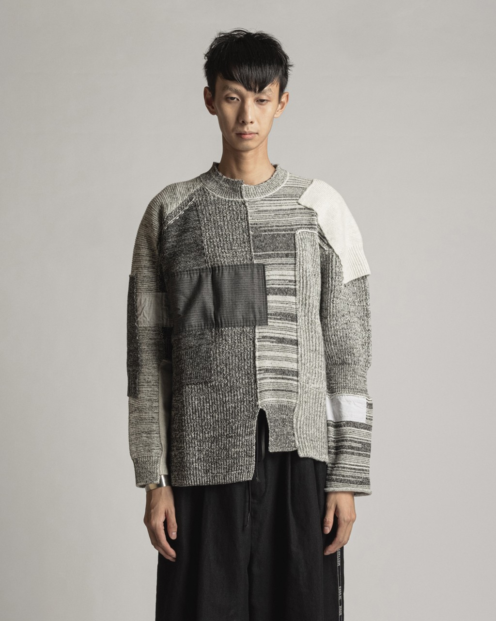 21AW DUE-Ⅲ-034-KNT-GRY Patched Sweater