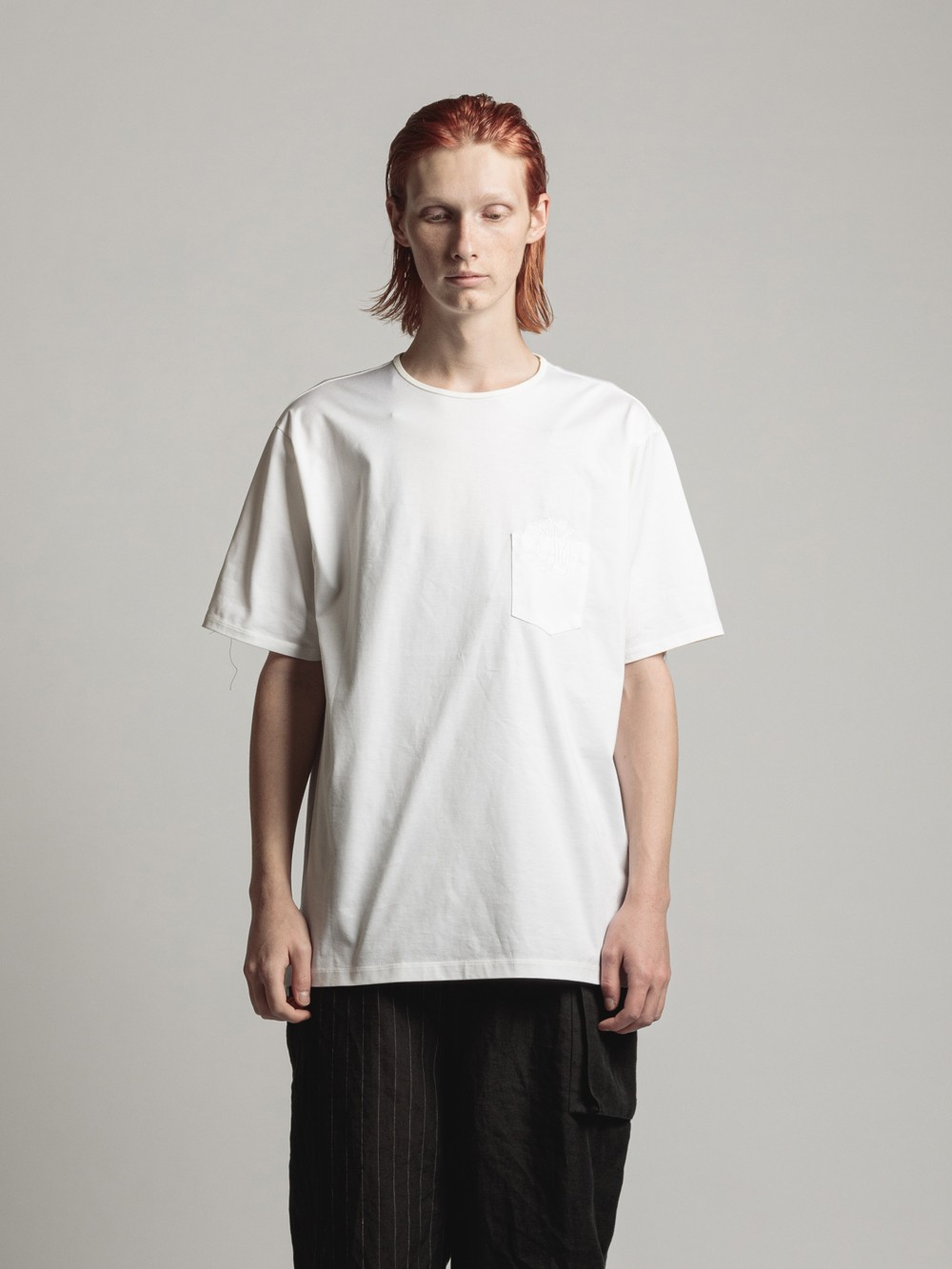 POCKT-EMBROIDERY TEE