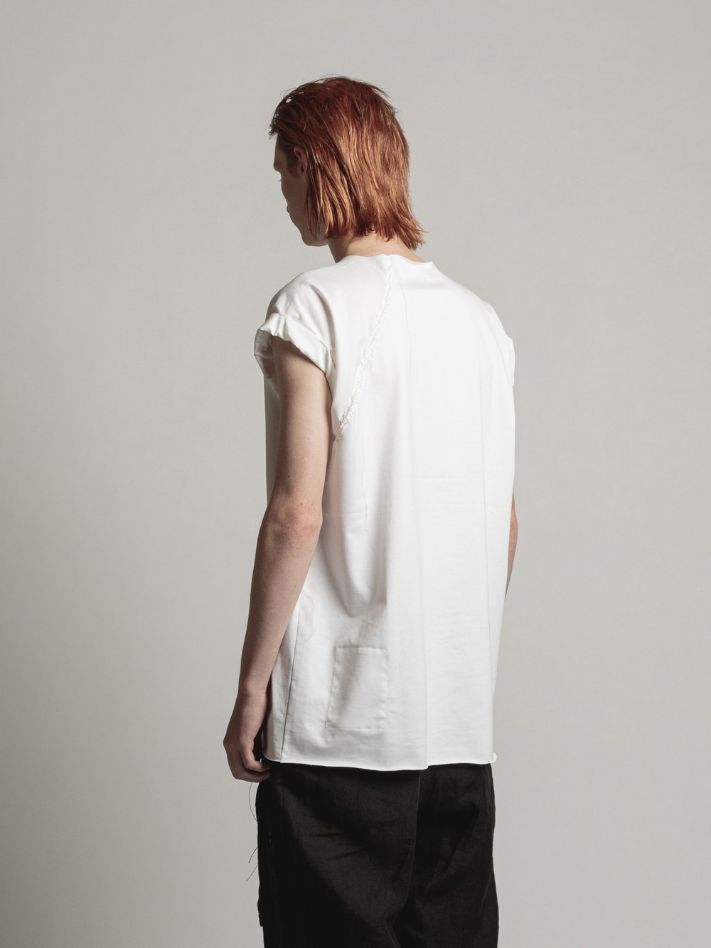 CHEST-EMBROIDERY SLASH SLEEVE TEE
